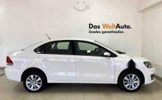 Volkswagen Vento 2020 4p Comfortline L4/1.6 Aut-9