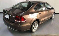 VW VENTO HIGHLINE 1.6 L TM 2017-3