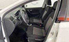 Volkswagen Vento 2020 4p Comfortline L4/1.6 Aut-0