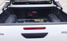 Toyota Hilux Seminuevo Impecable 17000km-0