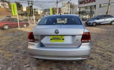 Volkswagen Vento 2017 4p Highline L4/1.6 Man-2