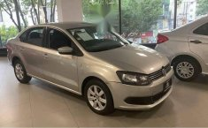 Volkswagen Vento 2014 4p Active L4/1.6 Man-1
