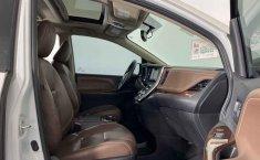 Toyota Sienna-24