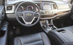 Toyota Highlander-12