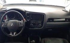 Mitsubishi Outlander-16