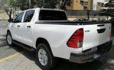 Toyota Hilux-16