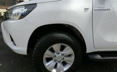 Toyota Hilux-11