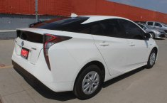 Toyota Prius-5