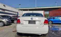 Volkswagen Vento Highline-15