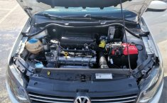 Volkswagen Vento Highline-11