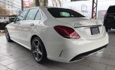 Mercedes Benz Clase C-8