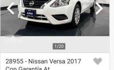 Automóvil Versa Sense-8