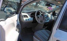 Toyota Sienna 2013 5p CE aut-12
