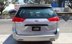 Toyota Sienna 2013 5p CE aut-7