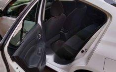 Automóvil Versa Sense-1