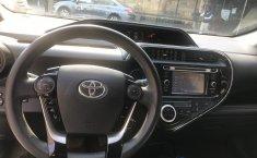 Toyota Prius-16