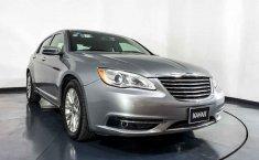 Chrysler 200-18