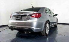 Chrysler 200-17