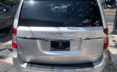 CHRYSLER TOWN & COUNTRY LIMITED 2011-19
