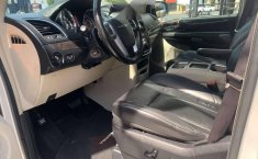 CHRYSLER TOWN & COUNTRY LIMITED 2011-17