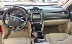 Toyota Camry 2013 XLE-10