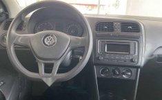 Volkswagen Vento 2018 4p Comfortline L4/1.6 Man-12