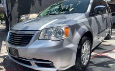 CHRYSLER TOWN & COUNTRY LIMITED 2011-12
