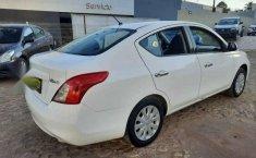 Nissan Versa 2013 4p Sense 5vel-5