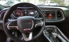 Dodge Challenger-12