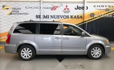 Chrysler Town & Country 2016 3.6 Touring At-8