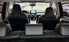 Toyota RAV4 Adventure-10
