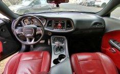 Dodge Challenger-10