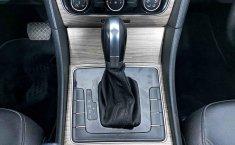 Volkswagen Passat-15