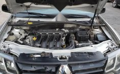Camioneta Duster 2018, 4 cilindros, todo pagado-10