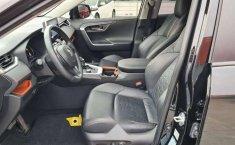 Toyota RAV4 Adventure-6