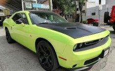 Dodge Challenger-8