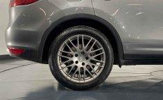 Porsche Cayenne-12