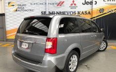 Chrysler Town & Country 2016 3.6 Touring At-4