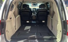 CHRYSLER TOWN & COUNTRY LIMITED 2011-2