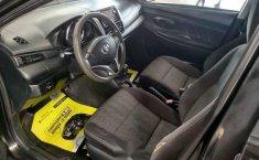 Toyota Yaris 2017 4p Sedán R LE L4/1.5L Aut-1