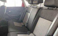 Volkswagen Vento 2018 4p Comfortline L4/1.6 Man-2
