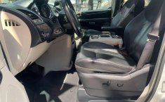 CHRYSLER TOWN & COUNTRY LIMITED 2011-1