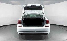 Volkswagen Passat-0