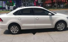 VW VENTO COMFORTLINE AT 2017 (EXELENTE)-0