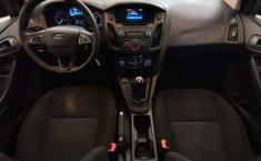 Ford Focus-15
