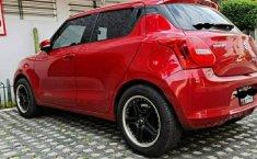 Suzuki Swift GLX 2018 Automático-6