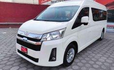Toyota Hiace-11