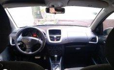 Peugeot 2011 sedán 207-6