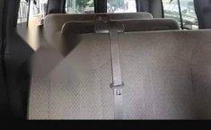 Chevrolet Express Van 12 pasajeros-3