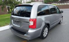 CHRYSLER TOWN CONTRY LX MOD 2013-8